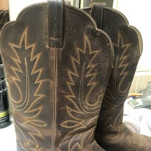 Ariat Shoes - Ariat Heritage Cowboy Boots